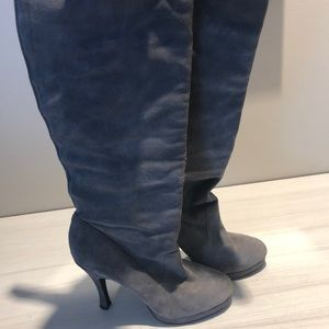 BCBG Kneehifh Boots Suede 7.5 B Gray
